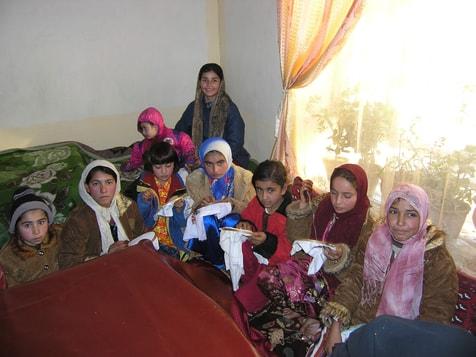 Erste Prüfung für die jüngere Generation (ab 12), um an das Stickprojekt dran teilnehmen zu können. Die Male darauf werden die Mädchen und Erwachsenen zusammen sein.