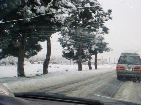 Der Winter in Afghanistan mit schrecklichen Straßenverhältnissen, bild von Khaled aufgenommen