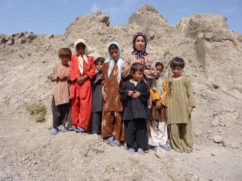 Mit einigen Kindern aus Shotordaran