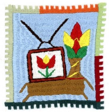 En 2012 et 2013 l'électricité arrive aux villages. L'achat privilégié est une télévision, puis un réfrigérateur, éventuellement un ventilateur et occasionnellement un fer à repasser. Ces infos, nous le s »lisons » directement des broderies. Broderie réalisée par