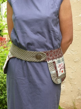 With two embroidered squares from Anne Bouissière, F