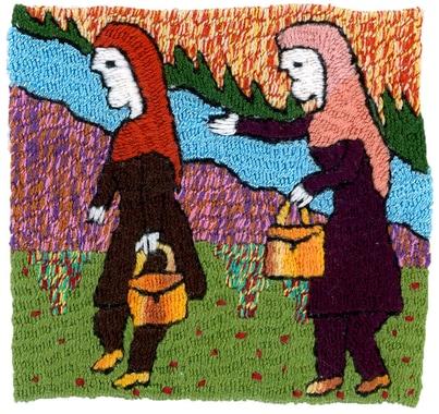 """4) Die zwei Schwestern begeben sich zur """"Abgabestelle"""", zu einer anderen Stickerin, die über viel Platz im Hof verfügt."""