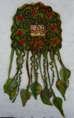 Kleiner Wandbehang von Judith Herberger, D, auf Filzhintergrund